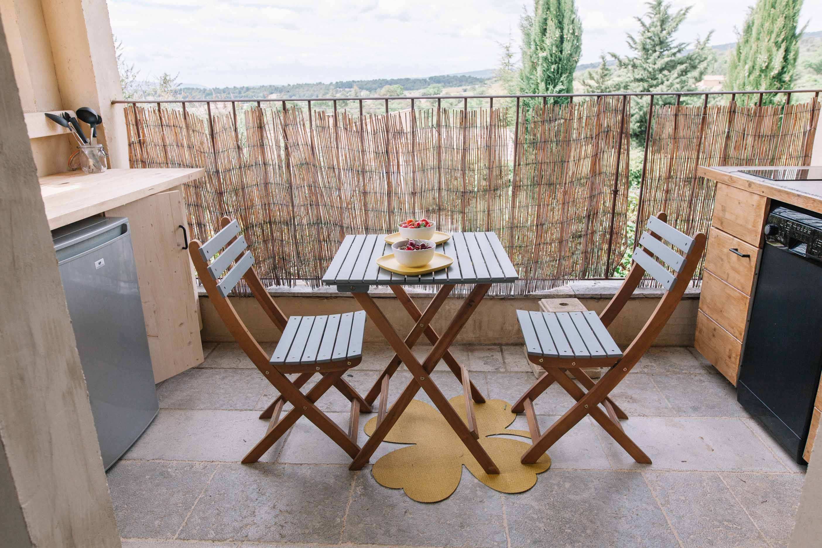 Terrasse privative de Velours au Mas de Cink, appartement de charme en Luberon